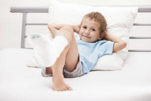 Aide et accompagnement d'enfants malades ou handicapés, et de tout petits (enfants de moins de trois ans)