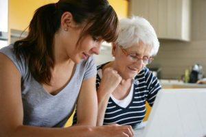 Services d'auxiliaires de vie pour le maintien à domicile des personnes âgées